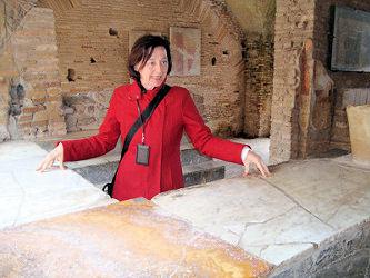 Ilaria Inside the Termopolium
